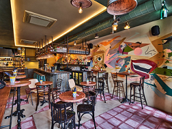 Restaurant Bardak Amsterdam Pijp // interieur