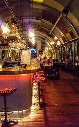 Restaurant Hangar in Amsterdam Noord aan de Aambeeldstraat
