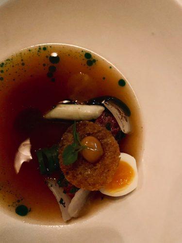 Diner bij Wolf Atelier voor de special over de meest romantische restaurants van Amsterdam.