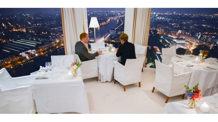 Pop-up restaurant Hemels Rembrandt in de Rembrandt Tower Boardroom