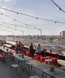 Restaurant-met-terras-in-Amsterdam-Oost-Canvas-Volkshotel-Wibautstraat