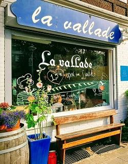 Restaurant-met-terras-in-Amsterdam-Oost-La-Vallade-Ringdijk-2