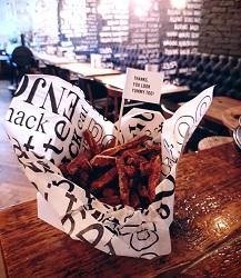 Restaurant Thrill Grill Amsterdam De Pijp West hamburgers eten bestellen zoete aardappelfriet