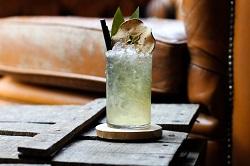 Thuisborrel Club Conscious Edition Cocktailbox La Neta