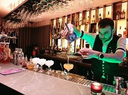 Hotel Starlino aperitivo vermout restaurant TOZI Amsterdam Zuid